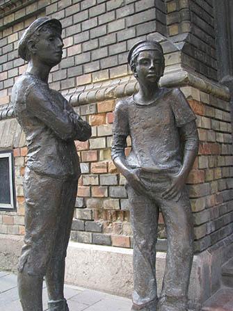 Pál utcai fiúk szobor 2